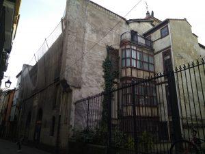 Palacio Álava-Esquível. Fachada de la calle Zapatería.